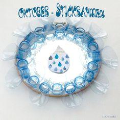 Oktober-Stickrahmen 2017: Wasser - Schimmer - Plastik Hanukkah, Wreaths, Decor, October, Water, Decorating, Projects, Decoration, Door Wreaths