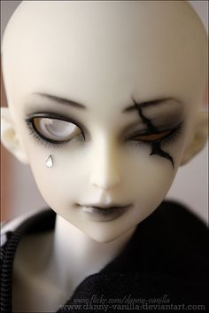 Danny-Vanilla ~ close-up pics of the face-up I did on Scar, without flash.  Scar is MiniFée scar shiwoo from FairyLand