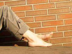 ¿Eres propenso a sufrir esguinces de tobillo? Te enseñamos unos ejercicios para fortalecerlos