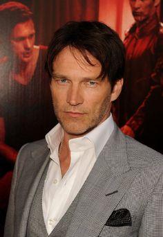 Stephen Moyer....hottest vampire on TV!