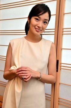Rin Takanashi One Shoulder, Japanese, Actresses, The Originals, My Style, Yukata, Beauty, Yahoo, Kimono