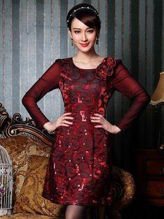 Đầm gấm đỏ tay voan vai đính hoa nổi đẹp TV578