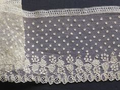 Another excellent lace from the 11/9/2014 Ebay Alerts. Alençon border, early 19th c.
