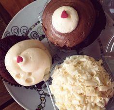 Cupcakes omg #cheesecake #redvelvet #whitechocolate