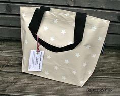 Wachstuch Tasche Multibag Sterne Beige Einzelstück von Baumwollschmiede auf DaWanda.com