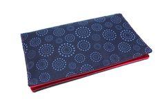 porte chéquier en tissu coton bleu à motifs pour chéquier souche horizontale talon haut