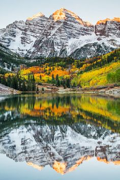 Maroon Bells (Mountains), Colorado. Never been but looks really beautiful. Will have to check out! http://beautifulvacationspots.com/