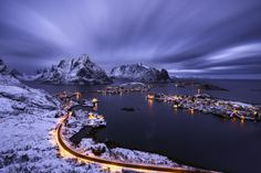 Reine+village+in+a+cloudy+sunset+Lofoten+islands+Norway