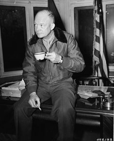 National Coffee Day, Presidential Libraries, Republican Presidents, Location History, Classic, Wwii, Twitter, Derby, World War Ii