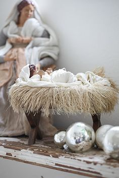 Sweet Baby Jesus in His Manger ... on my front porch next Christmas!