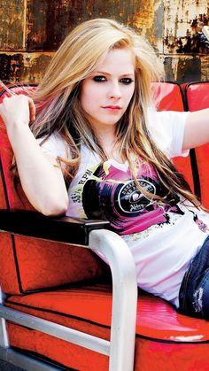 Image result for avril lavigne style Avril Lavigne Photos, Avril Lavigne Style, Hottest Female Celebrities, Celebs, Divas, Avril Lavingne, Taylor Momsen, Female Singers, My Idol