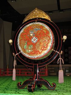 tsuri-daiko or Japanese drum Japanese Temple, Japanese House, Music For You, Sound Of Music, Play It Again Sam, Native American Music, Art Japonais, Japanese Culture, Percussion