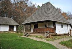Atelierul de arhitectură Liliana Chiaburu: Case româneşti tradiţionale, case ţărăneşti - album (3.) Wood Carving Tools, House Elevation, Village Houses, House In The Woods, Traditional House, Old Houses, Romania, Countryside, Gazebo