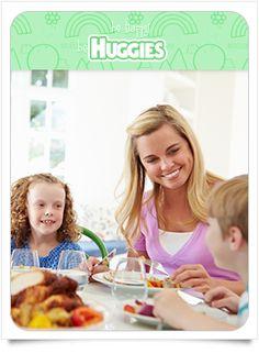 En la hora de la comida puedes aprovechar para convivir con toda la familia; sin embargo, para volver este momento único y especial es recomendable   no tener televisión ni radio cerca y evitar el uso de los teléfonos celulares. Conoce los beneficios de comer en familia.