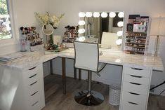37 + Unanswered Concerns About Glam Room Closet Vanity Ideas 30 Closet Vanity, Vanity Room, Vanity Desk, Vanity Area, Corner Makeup Vanity, Hair Vanity, Vanity Tables, Vanity Bathroom, Makeup Room Decor