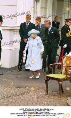 "Jeff Spicer_alpha Cn_m044951 04_08_01 Queen Mother, Prince William, Prince Charles & Prince Henry -""Queen Mother's 101st Birthday"" at Clarence House, London Credit: Jeff Spicer/alpha/Globe Photos, Inc."