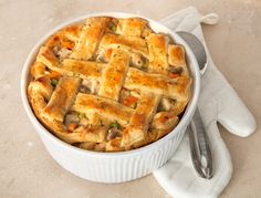 Forget about the cold outdoors and cuddle-up with this cozy dish. The Ultimate Chicken Pot Pie! A light and flaky Puff Pastry crust is what makes this pot pie the ultimate. It's a great way to turn le (Rotisserie Chicken Pot Pie) Pepperidge Farm Puff Pastry, Great Recipes, Favorite Recipes, Easy Recipes, Easy Meals, Good Food, Yummy Food, Puff Pastry Recipes, Chicken Pot Pie Recipe With Puff Pastry