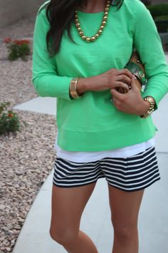 Love green + navy/white!