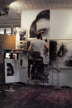 Chuck Close airbrush painting (1974) acrylic and ink with graphite on canvas, mixed media in his art studio #workspace