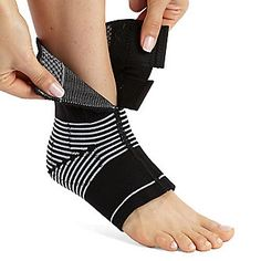 The Cho-Pat Dynamic VE Ankle Compression Sleeve helps to reduce pain and discomfort associated with Tendonitis, Ligament Weakness or Overuse Syndromes.