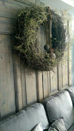 Simple moss green wreath with aged metal Christmas baubles. Simple moss green wreath with aged metal Christmas baubles. Christmas Baubles, Christmas Photos, Christmas Wreaths, Christmas Crafts, Christmas Decorations, Scandinavian Christmas, Rustic Christmas, Winter Christmas, Xmas