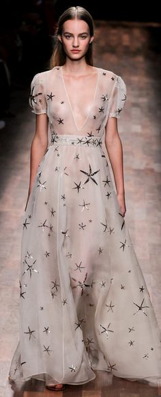 VALENTINO RTW SS 2015 | sheer white | a-line gown with starfish motifs