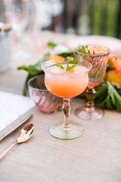 Cocktails at a dreamy outdoor dinner.