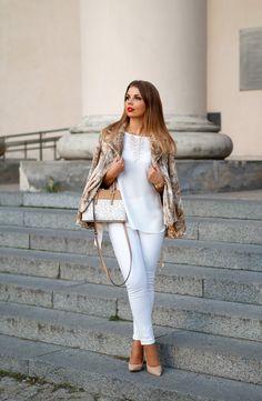 TARA JARMON BEIGE FUR COAT   stylizacja jesienna ze sztucznym futrem