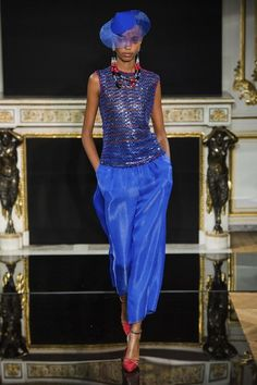 See all the Collection photos from Armani Prive Spring/Summer 2019 Couture now on British Vogue Fashion Week, High Fashion, Fashion Show, Fashion Outfits, Fashion Design, Armani Collection, Couture Collection, Armani Prive, Couture Fashion