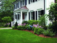 Landscaping Around House Foundation Curb Appeal 42 Ideas Landscaping Around Hous Landscaping Around House, Home Landscaping, Front Yard Landscaping, Landscaping Design, Arizona Landscaping, Hydrangea Landscaping, Gravel Landscaping, Inexpensive Landscaping, Landscaping Melbourne