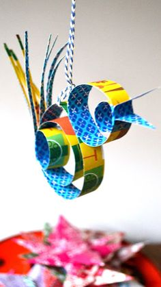 Paper quilling designs for your child to try Origami, Art For Kids, Crafts For Kids, Arts And Crafts, Paper Art, Paper Crafts, Diy Paper, Christmas Crafts, Christmas Ornaments