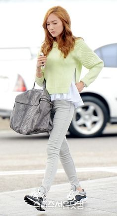 Girls Generations Jessica and her photos from her departure for Hong Kong