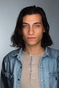 Picture of Rob Raco Riverdale Kevin, Riverdale Funny, Riverdale Cast, Rob Raco, Pretty People, Beautiful People, Dark Haired Men, Fandoms, Poses For Pictures