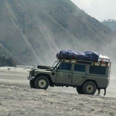 Land Rover Santana 109 Serie III safari top by Santana Motor- Spain