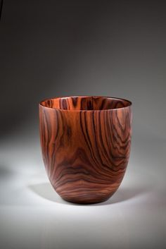 Wood Turning Projects, Diy Wood Projects, Wood Crafts, Wood Vase, Wood Bowls, Bowl Turning, Woodworking Inspiration, Pencil Cup, Wooden Decor