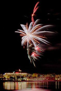 New year's fireworks, Oulu, Finland.New year's fireworks, Oulu, Finland. Celebration Around The World, New Year Celebration, Helsinki, Sylvester Party, Paint Fight, New Year Fireworks, Fire Works, New Years Decorations, Dark Skies