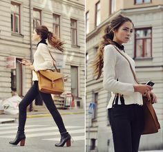 Ponytail, bag, outfit