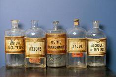 Ensemble de 5 bouteilles en verre de chimie chimique grand