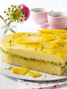 Holt Sonne auf den Teller: fruchtige Torte mit Mango.