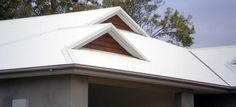 Qualified tradesmen specialising in New Metal Roofs, Re-Roofing Brisbane, Roof Restoration Brisbane, Guttering and Downpipes. Metal Roof Repair, Roof Restoration, Construction Services, Brisbane