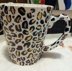 Sharpie mug cheetah print Sharpie Projects, Sharpie Crafts, Sharpie Art, Cat Crafts, Diy Projects To Try, Arts And Crafts, Sharpies, Marker Crafts, Diy Wine Glasses