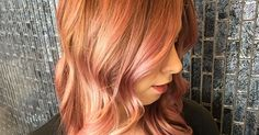 15 Awesome Hair Colors You Want To Try This Year Gold Hair Colors, Hair Color Pink, New Hair Colors, Cool Hair Color, Peachy Pink Hair, Rose Gold Hair, 2015 Hairstyles, Cool Hairstyles, Look Rose
