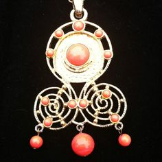 1960s Retro Coral Necklace