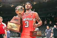Putting A Bow On Louisville's Big East Championship - Card Chronicle Louisville Basketball, University Of Louisville, Basketball Coach, Peyton Siva, Pat Summitt, Free Throw, Louisville Cardinals, Champs, Coaching