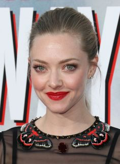 At the premiere of A Million Ways to Die in the West, Amanda looked perfectly polished in a bold red lip and a sleek ponytail.