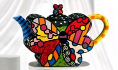 Cute butterfly tea pot - Romero Britto´s collection