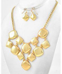 444880 Gold Tone Metal / Lead Compliant / Necklace & Fish Hook Earring Set