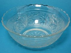 Auction 4/26/14;  PANCHOR HOCKING Clear Depression Glass - Sandwich - SCALLOPED BOWL - B9C