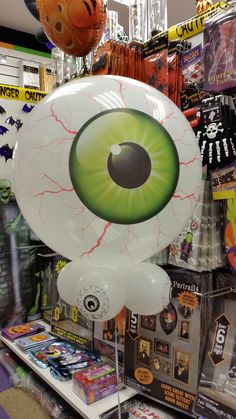 Eye Shaped Qualatex bubble with eye ball collar.