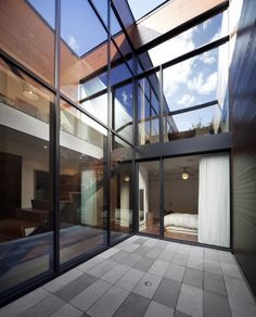 Siamoises Mentana-Boyer by Blouin Tardif Architecture-Environnement – MOCO Vote Architecture Résidentielle, Contemporary Architecture, Minimalist Architecture, I Love House, Welcome To My House, Courtyard House, Outdoor Landscaping, My Dream Home, Future House